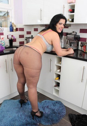Mega big booty mature