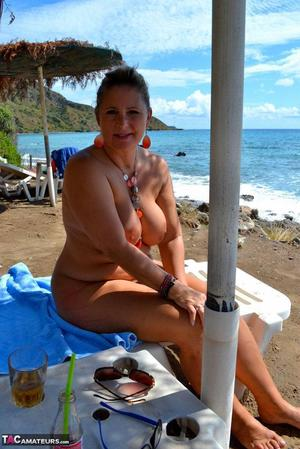 MILF At Beach Pics