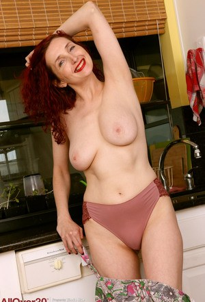 MILF In Kitchen Pics